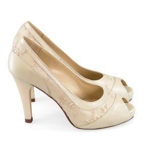 Pantofi de mireasa ivoire cu dantela aplicata Juanita